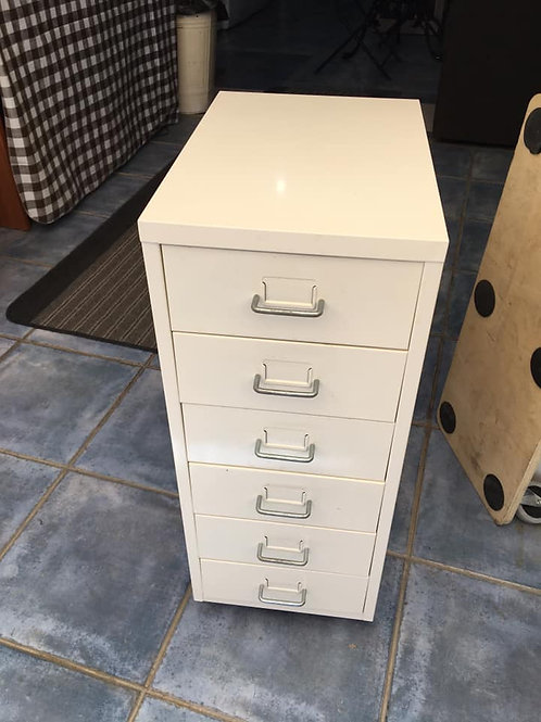 Small white metal filing cabinet 28wx41dx69h