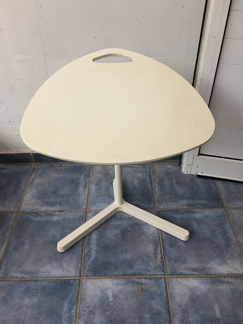 Adjustable PC table