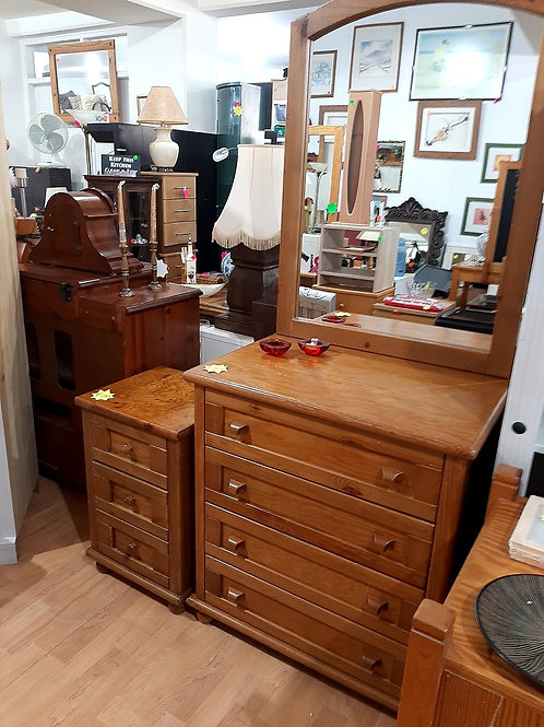 Pine 4 Drawer Dressing Table with Mirror