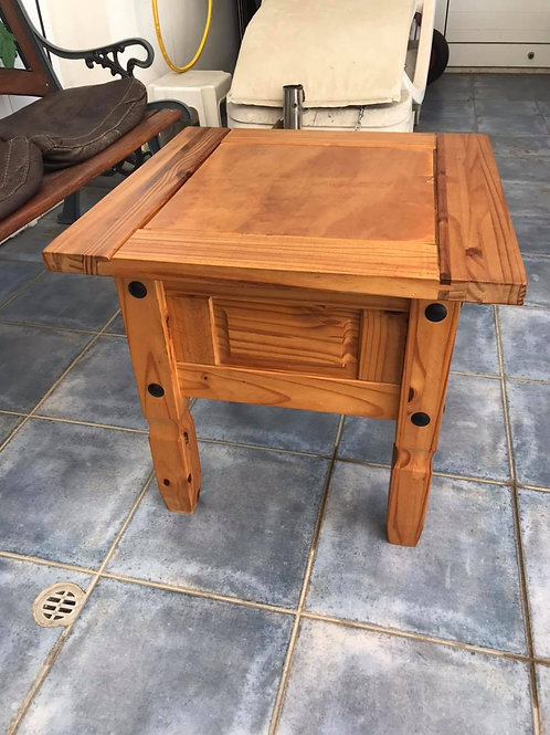 Mexican pine occasional table