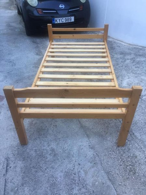Single bed with excellent mattress