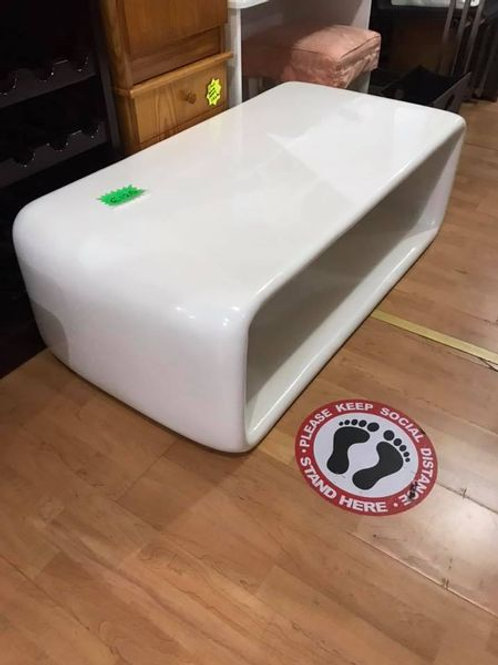 White high gloss polycarbonate coffee table 125x61 40h