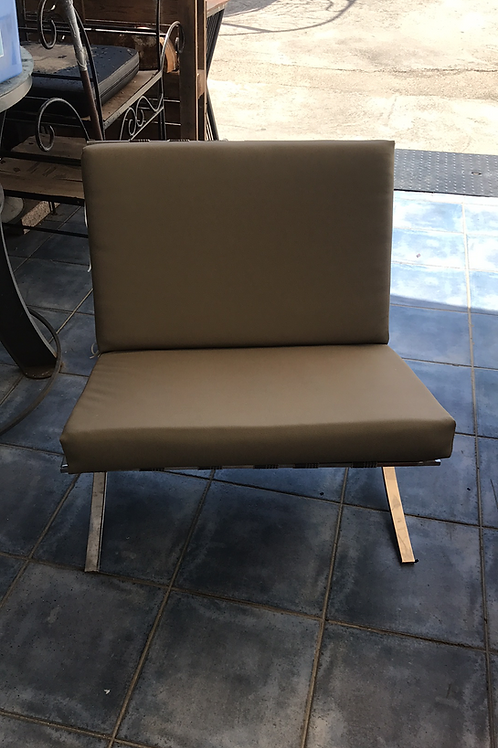 Two Taupe grade 3 leather Barcelona seats