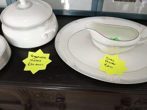 38 pcs royal doulton dinnerware