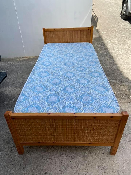 2 Light wood veneer single beds