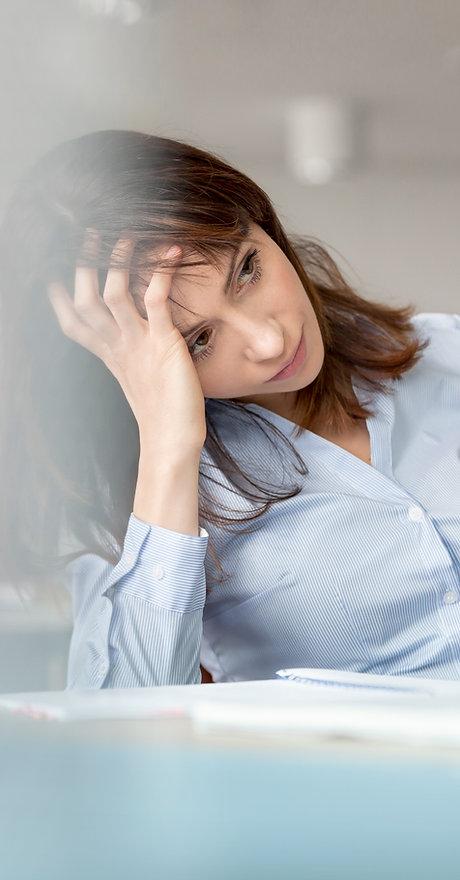 Jeune femme Contempler