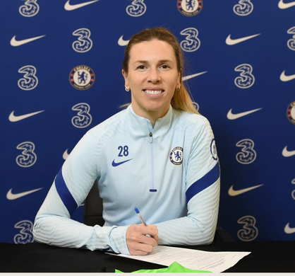 Telford pens one-year playing extension and starts her coaching career at the Kingsmeadow outfit