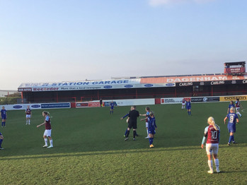 Kerr and England headers secure three points against Hammers to stay top of WSL