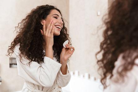 pretty-woman-bathroom-take-care-her-skin