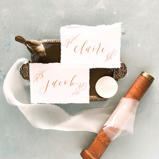 calligraphy place card gold