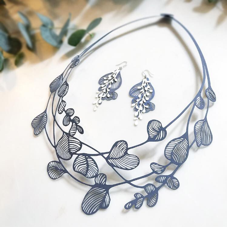 Paper Jewelry by Chihiro Furugen, Vivace