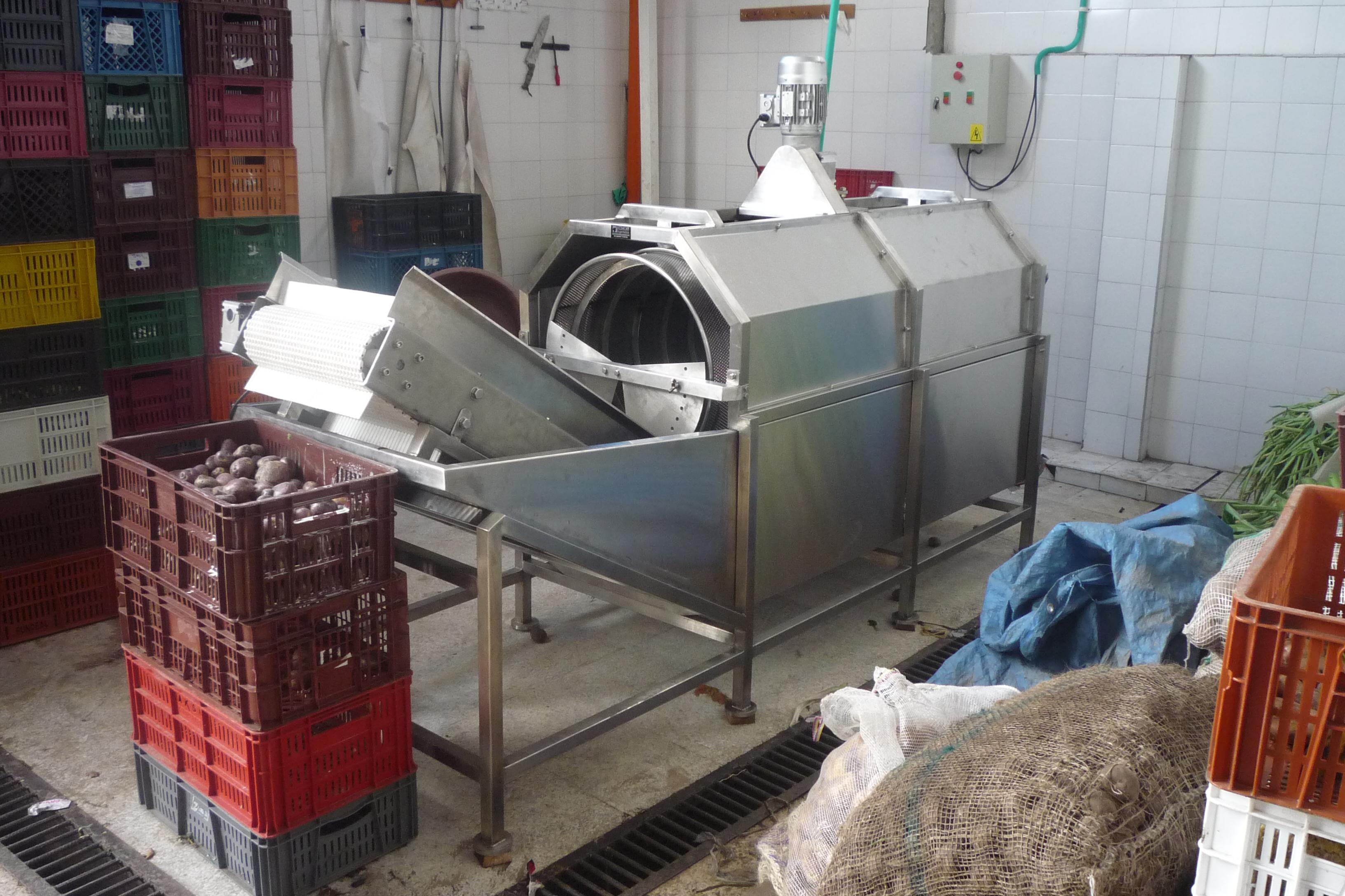 Máquina lavadora de papas.