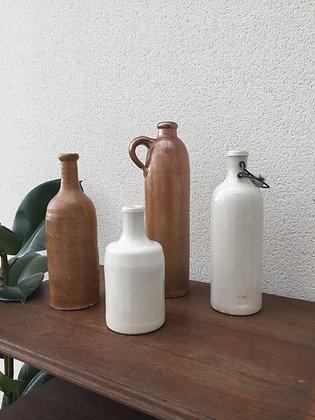 Lot de 4 bouteilles/vases en grès