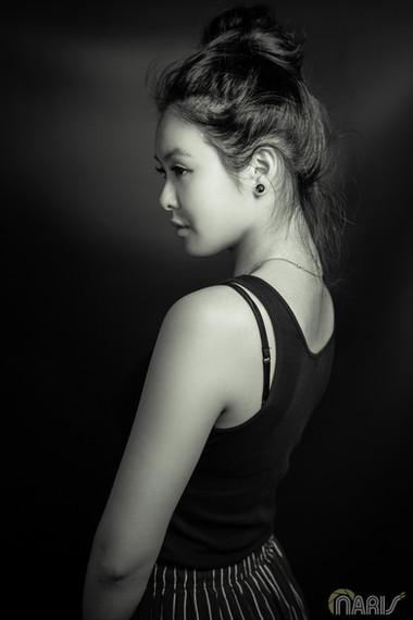 2018-04-22-Portrait-Angie-WEB-14.jpg