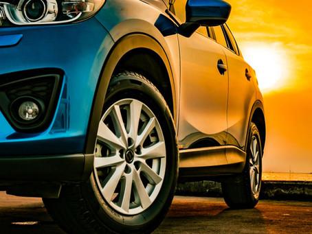 Por que os pneus são pretos? Descubra a resposta neste post!