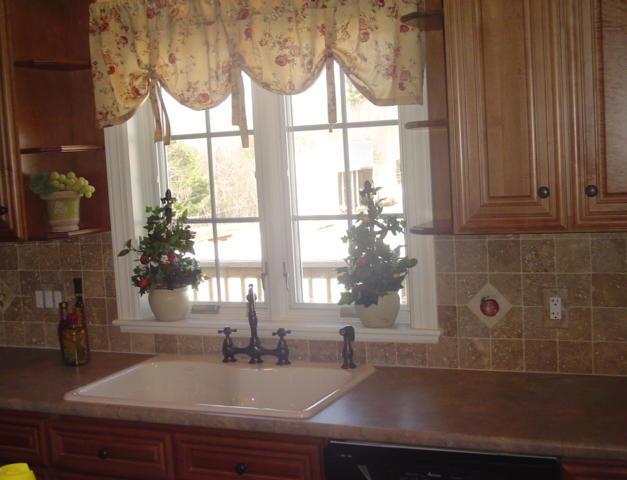 Apple Natural Stone Accent Tile