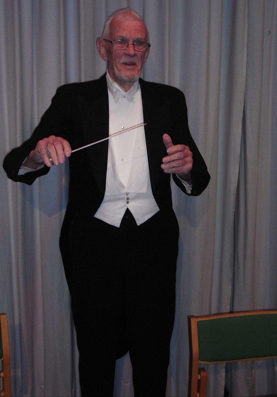 Konversationssymfoni dirigenten Uffe Juul Nielsen