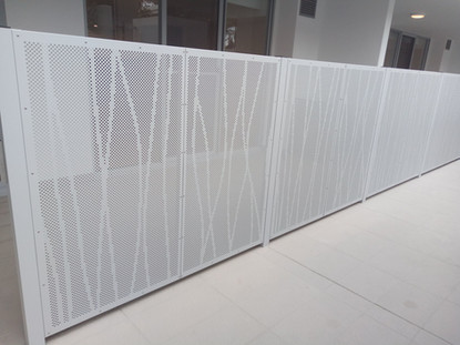 APARTMENTS - PRIVACY SCREENS