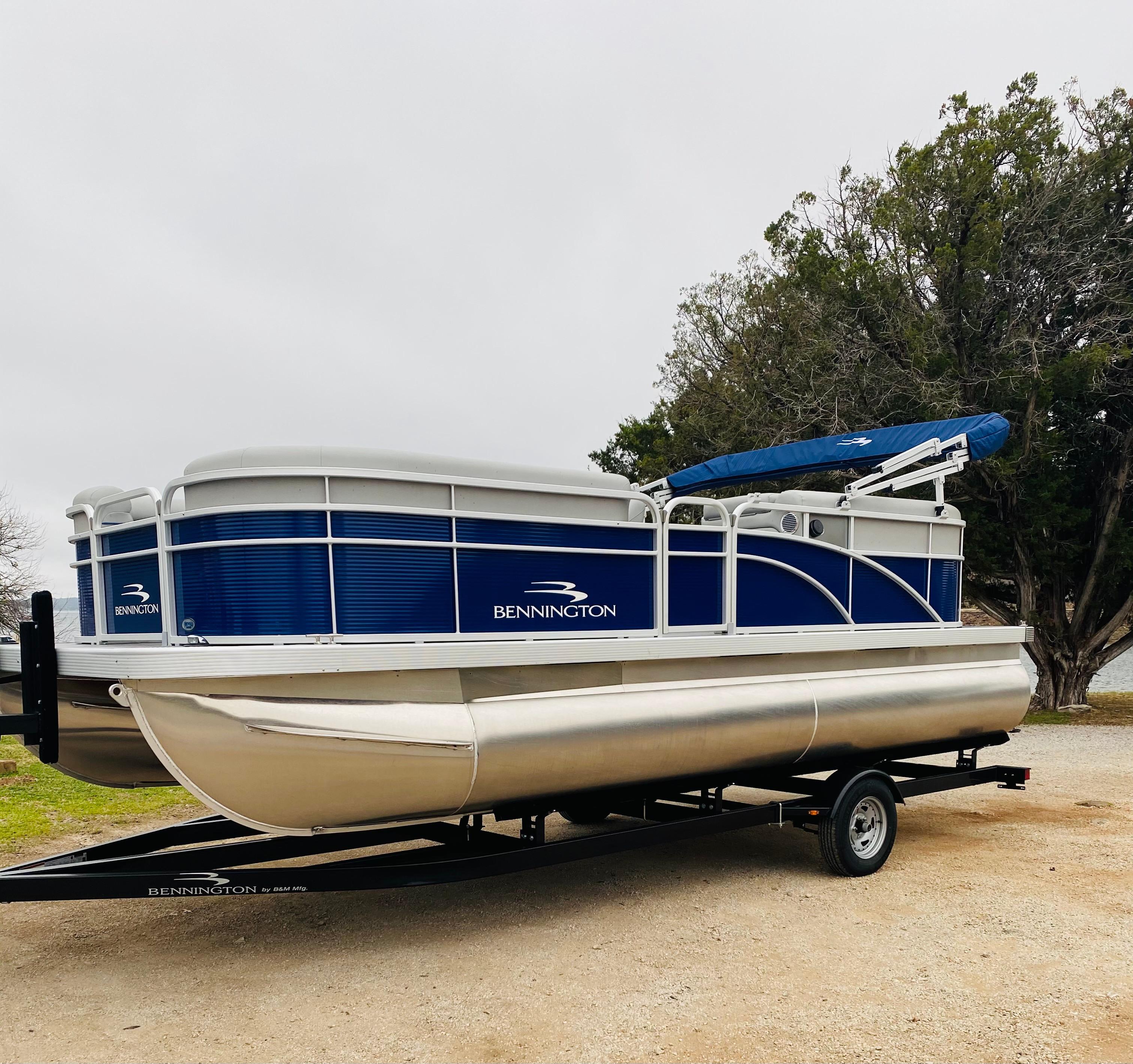 18 Foot Boat Rental 1/2 Day