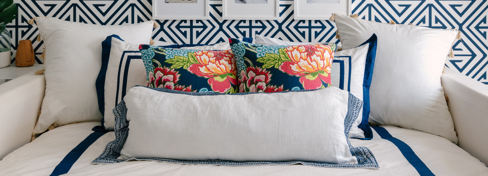 Pretty Prep & Pop Bedroom - Daybed & Gallery Wall View 3