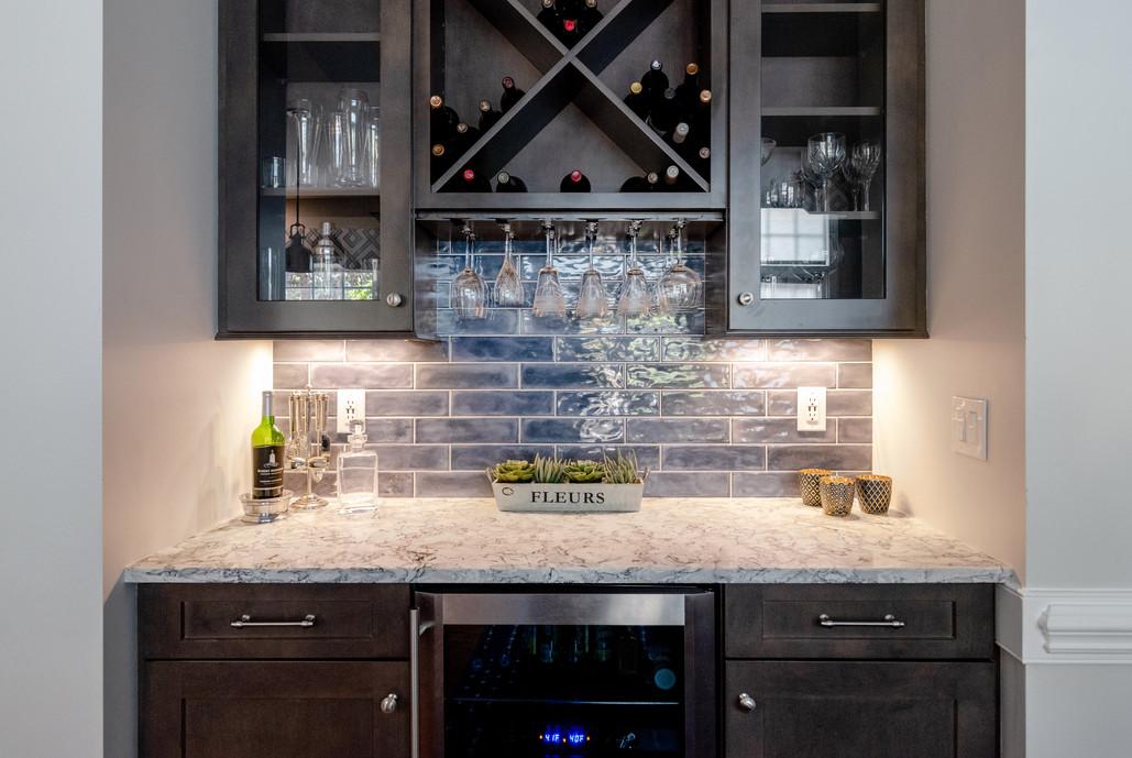 Colorful Kitchen - Wine Bar