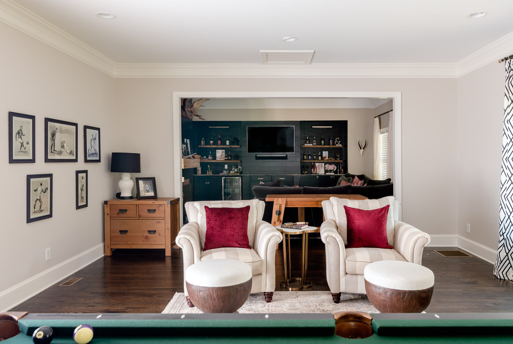 Fun & Family Game Room - Sitting area