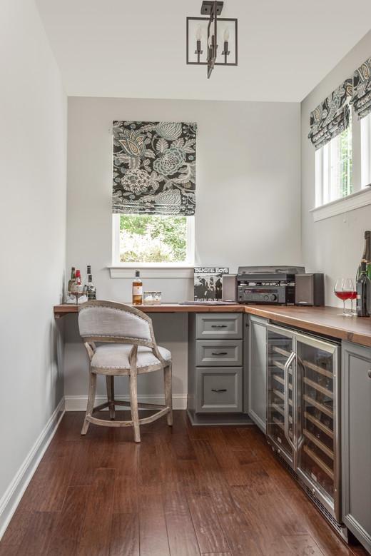Light & Shadow - Wine Cellar & Desk