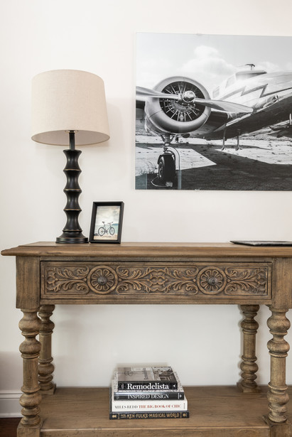 Light & Shadow - Entry Way Side table