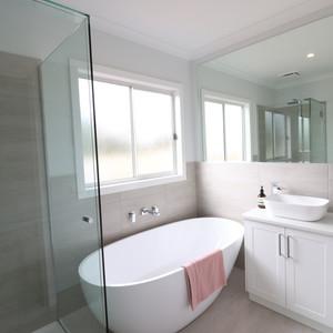Unit 01 Bathroom
