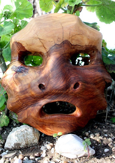 Mascherone Veneziano. Olive Wood Sculpture