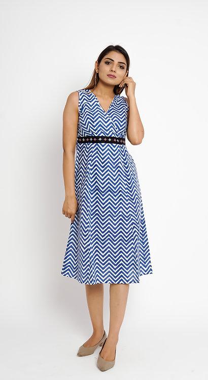 HunarWE Blue & White ZigZag Striped Dress