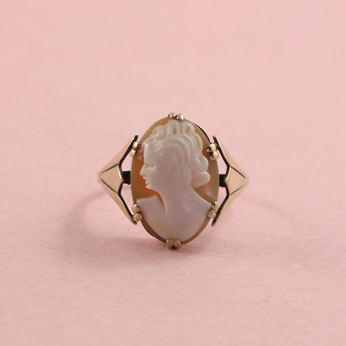 Vintage Deco 9K Gold Shell Cameo Ring