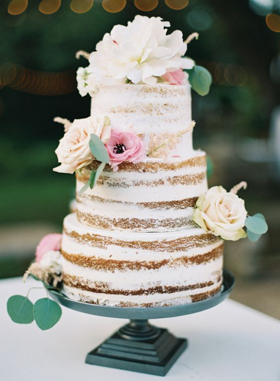 Naked Cake with Strawberry Cream