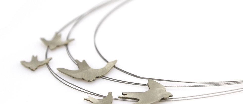 Naszyjnik srebrne jaskółki