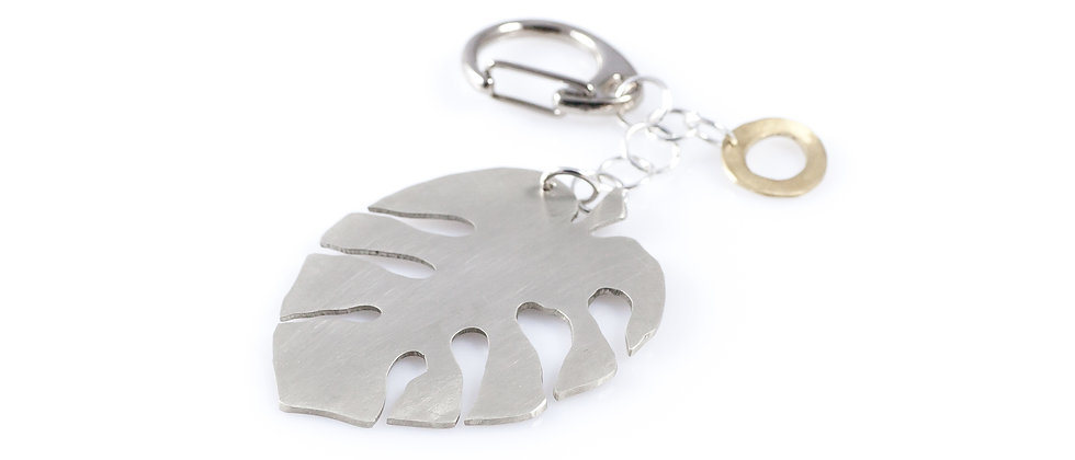 Brelok ze srebrnym liściem monstery
