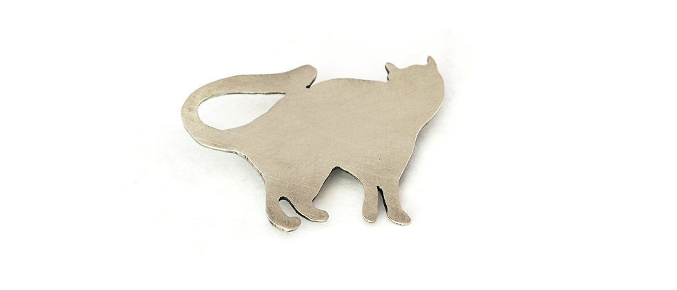 Broszka srebrny kot