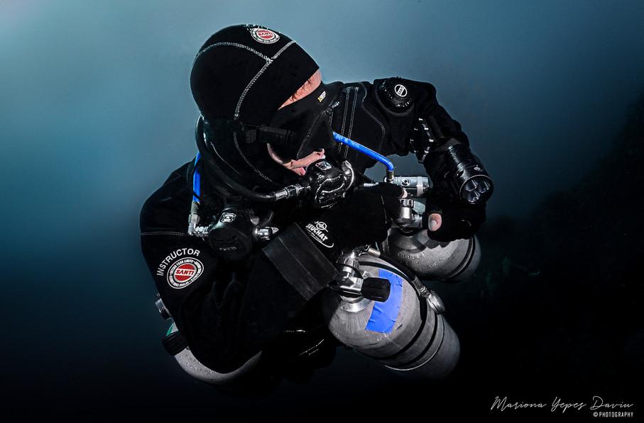 Daniele Pontis, tech diving, trimix diving, deep diving
