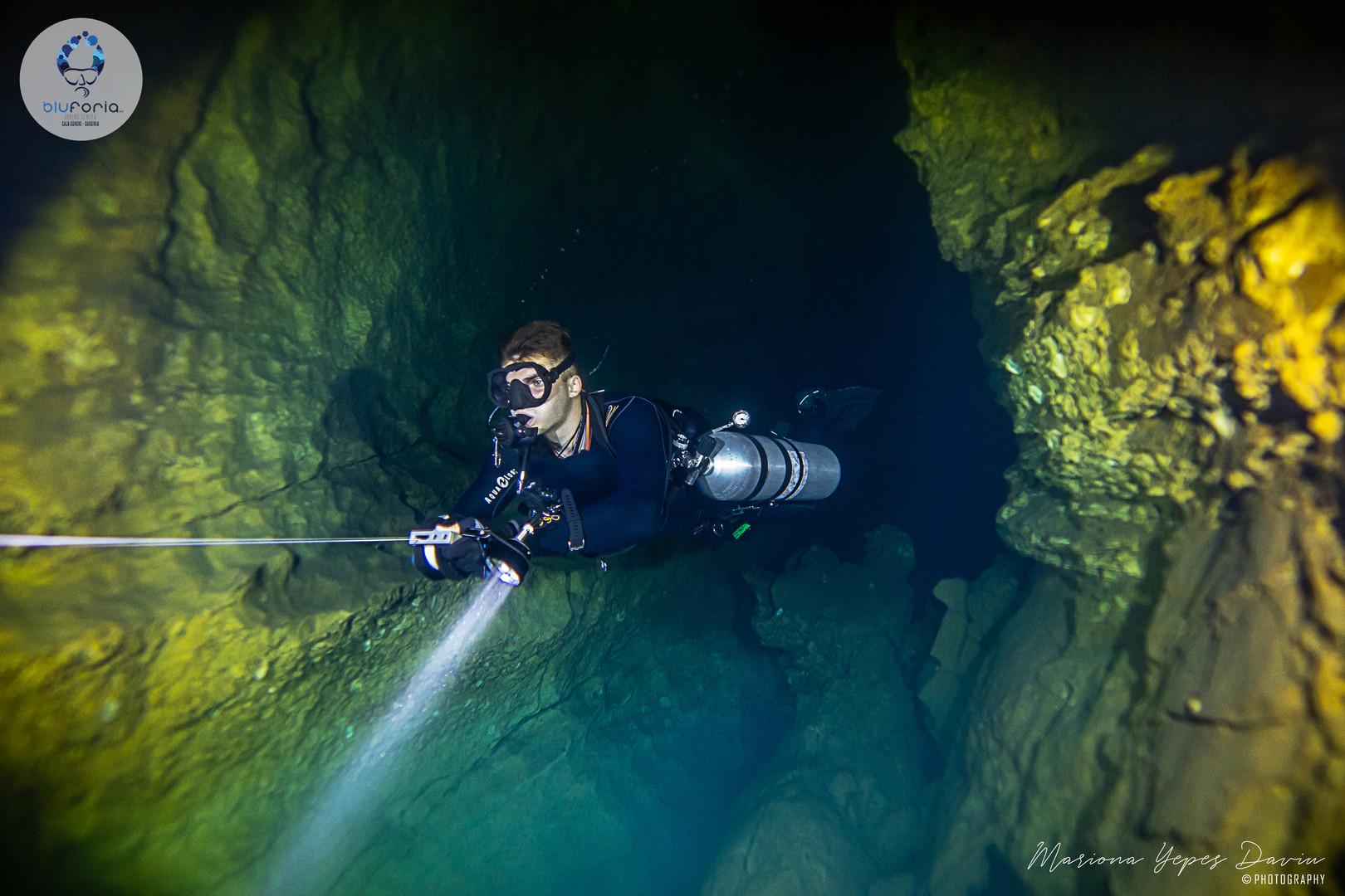 Luuk Van Keulen, cave diving Cala Gonone