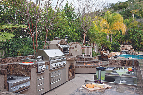 "Twin Eagles Outdoor Kitchen ""Nothing Compares"""