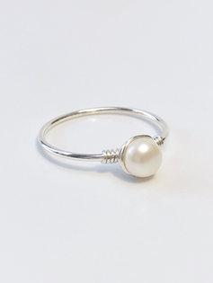 Charlotte ring (sterling silver)