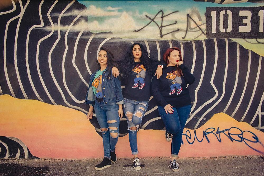 ラスベガスダウンタウンで女性三人のアパレル撮影