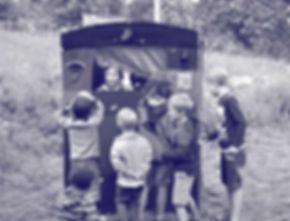 Loutkovy-automat-II-modra.jpg