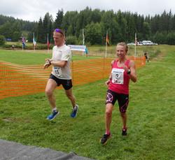 Vinner_Therese_Falk_maraton_med_+Ñtter_Kim_Olsen.jpg