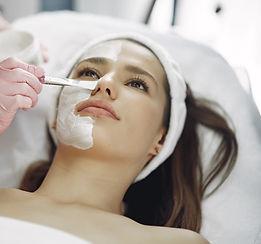 woman-in-cosmetology-studio-on-a-procedu