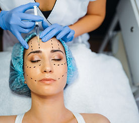 cosmetician-makes-botox-injection-in-dot