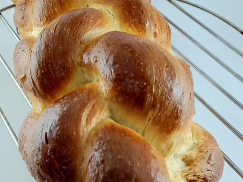 Challah bread/Six strand braided bread