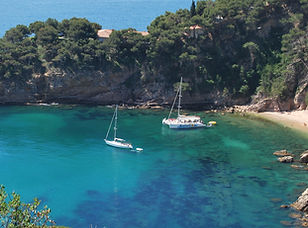 Sommer-Spanien-Katamaran-Bucht-Meer.jpg
