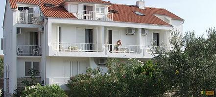 sommer-kroatien-novalja-apartment-haus-a