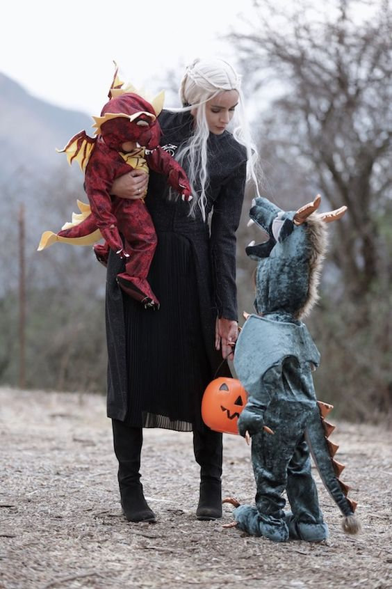 Kahlese costume and dragon kids, hallowe