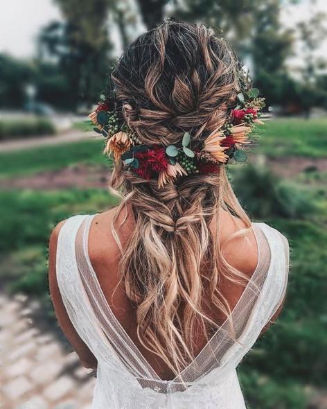 bohemian bridal hairstyle,Atlanta Wedding planner, georgias modern wedding planner, Woodstock Ga. wedding planner, Calicornia wedding planner, Northern California, Wedding style boards, wedding inspiration, Atlanta brides